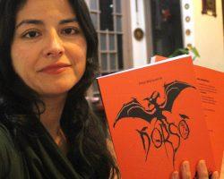 Entrevista con Feña Mánquez, autora del libro de Dorso: Recolecciones macabras de 30 años de historia