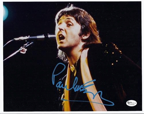 Wings-Movie-paul-mccartney-autographed-hand-signed-8x10-photo-the-beatles-wings-rdm-mccartney8x10-1
