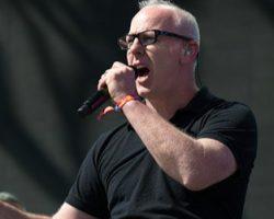 """Greg Graffin lanzará """"Millport"""", su tercer disco de estudio este año. Revisa adelanto y detalles"""