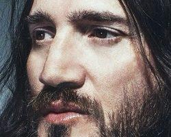 Video/entrevista: John Frusciante y su amor por David Bowie y la cocaína