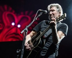 """Roger Waters debutó el espectacular show que trae su nueva gira """"Us+Them Tour"""""""