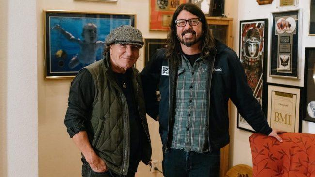 Dave Grohl y Brian Johnson protagonizarán un nuevo documental para la TV