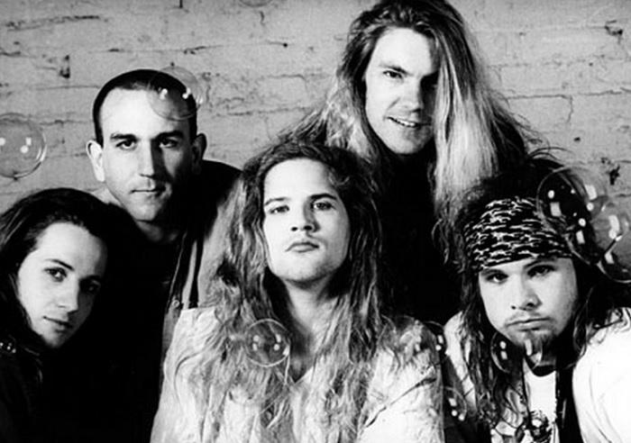 VIDEO: Miembros de Pearl Jam rindieron tributo a Mother Love Bone en nostálgico homenaje en vivo