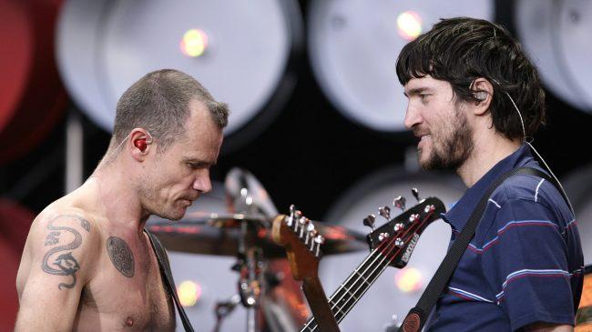 """Flea sobre el regreso de John Frusciante a RHCP: """"John ha vuelto. La naturaleza se mueve y las olas son para montar"""""""