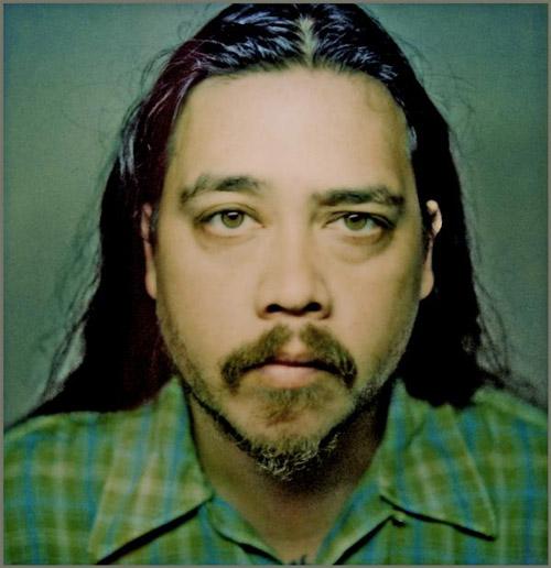 """Deftones libera """"Smile"""", una nueva canción en honor al bajista Chi Cheng a un año de su muerte"""