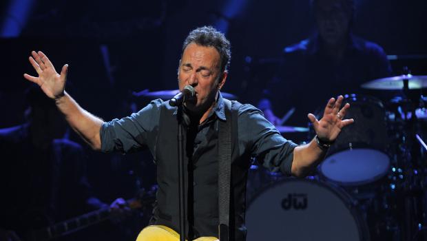 Eddie Vedder y Tom Morello entre otros homenajearán a Bruce Springsteen en los MusiCares 2013