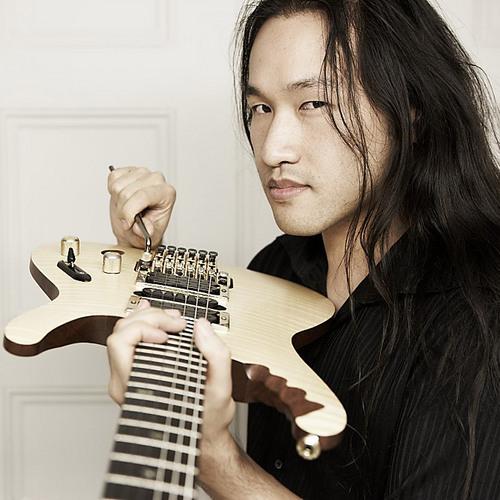 """Entrevista a Herman Li de Dragonforce: """"El 'Guitar Hero' puso a la banda en un foco más allá del metal"""""""