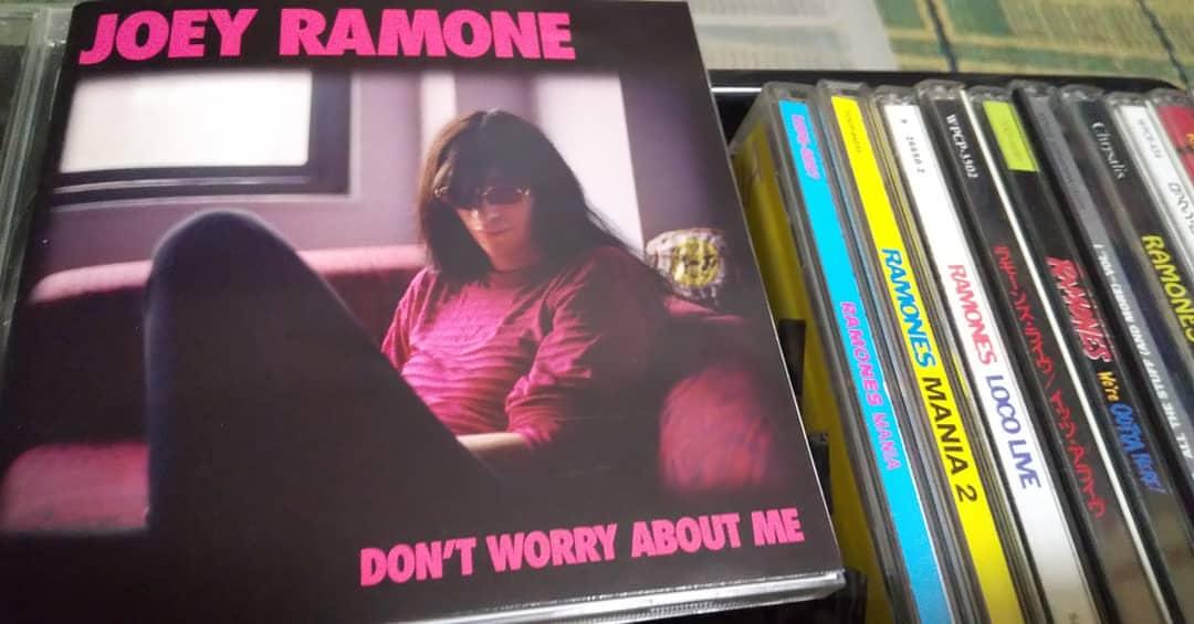"2X1: ""What A Wonderful World"" Louis Armstrong vs. Joey Ramone"