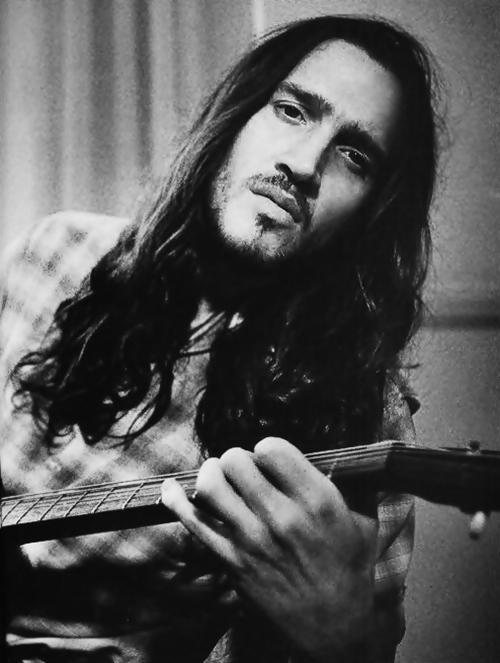 John Frusciante anuncia nuevo disco con su proyecto Trickfinger