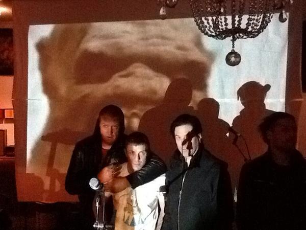 Jake Shears de Scissor Sisters colabora con el nuevo disco de Queens of the Stone Age