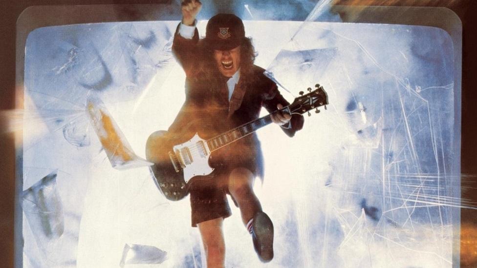 """""""Blow Up Your Video"""": la reunión familiar de AC/DC"""