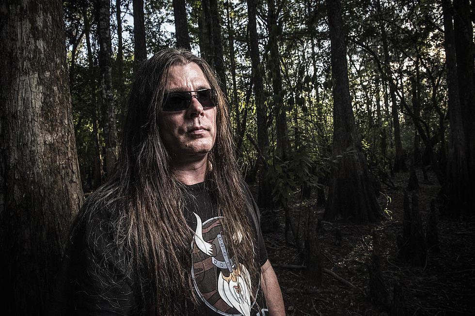 Más de 50 escopetas y 3 cráneos hallados en la casa del guitarrista de Cannibal Corpse