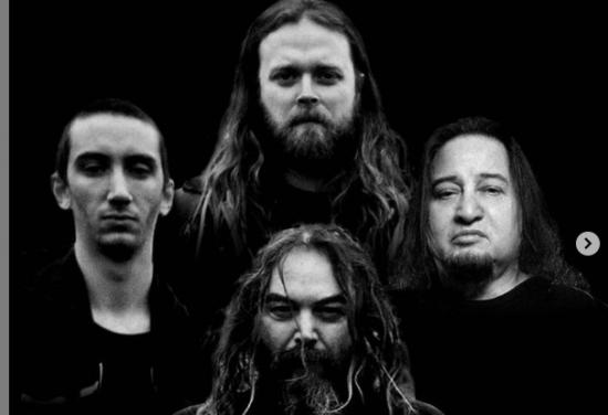 Dino Cazares de Fear Factory será el guitarrista de Soulfly en su nueva gira norteamericana