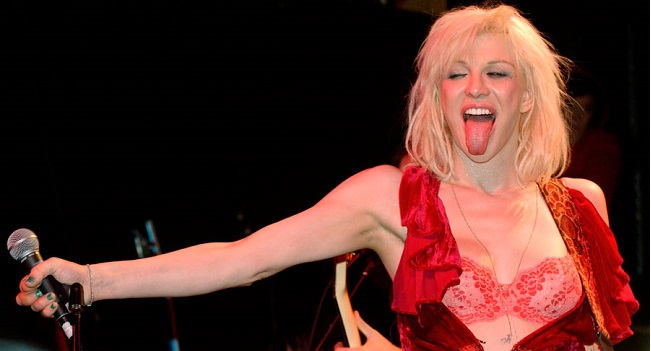 Courtney Love dice que reunirá a Hole para 2021 y trabaja en álbum en solitario