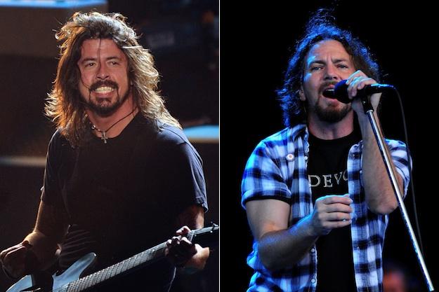 "2×1: ""Blackbird"" The Beatles vs. Dave Grohl vs. Eddie Vedder"