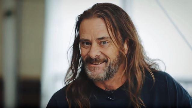 """Entrevista a Erik A. Knutson de Flotsam and Jetsam: """"Si vas a grabar en un estudio o presentarte en vivo tienes que pensar en darlo todo"""""""