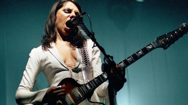 """NR En Vivo: """"Stories From The City, Stories From The Sea"""" Live- PJ Harvey (2001)"""
