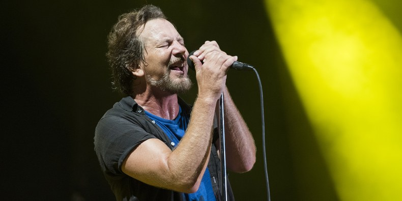 "Escucha ""Dance of the Clairvoyants"", el primer single del nuevo álbum de Pearl Jam"