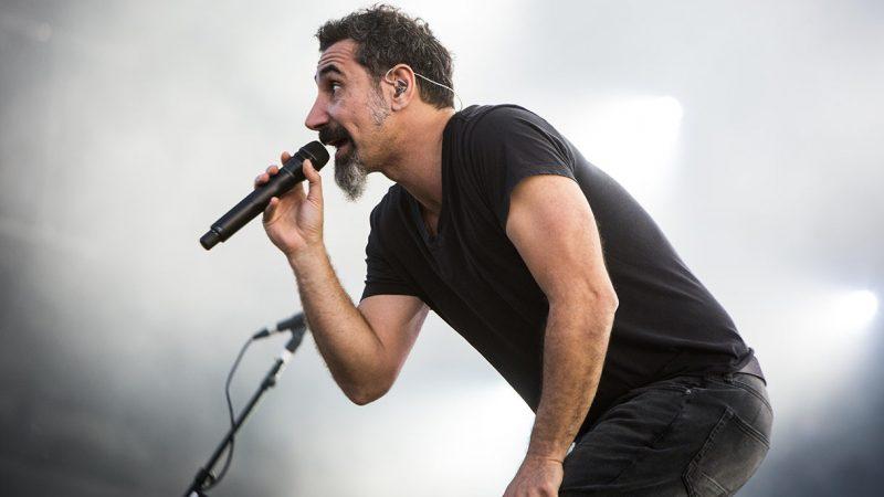 """Serj Tankian lanza el primer single de su nuevo álbum en solitario, escucha """"Elasticity"""""""