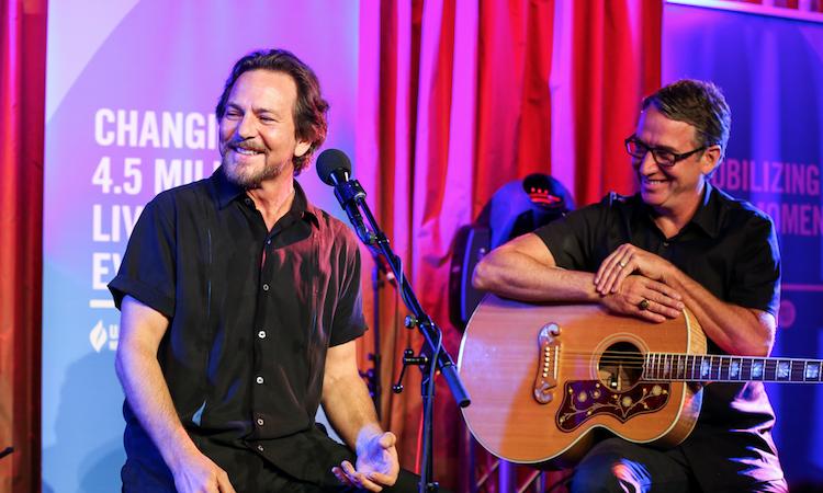 "Stone Gossard: ""Eddie Vedder siempre ha sido mi inspiración para hacer música"""
