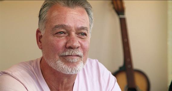 Eddie Van Halen se somete a cirugía por cáncer de garganta