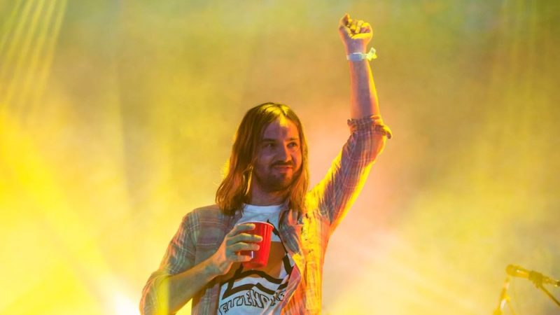 Regreso a los shows en vivo: Tame Impala realizó vibrante concierto a recinto lleno en Australia