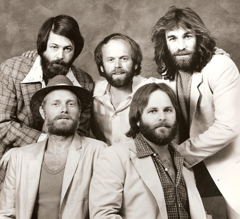 Se reúnen los Beach Boys. Realizan gira y nuevo álbum para el 2012