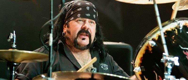 Terrible noticia: Ha fallecido Vinnie Paul, el legendario baterista de Pantera y Hellyeah