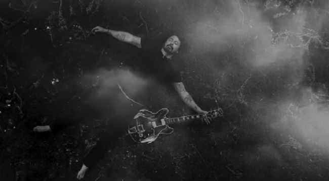 Foo Fighters estrena video para su nuevo single y anuncia show en streaming
