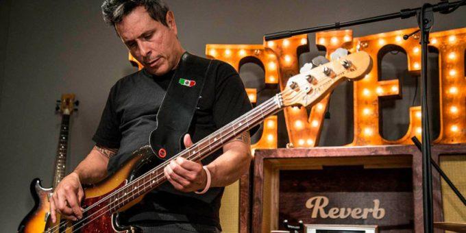 Juan Alderete, el virtuoso ex-bajista de The Mars Volta quedó en estado de coma tras grave accidente