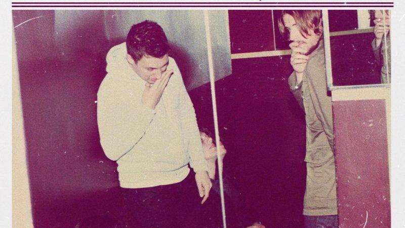 """""""Humbug"""": Josh Homme marcando el pulso del ascendente rumbo de Arctic Monkeys"""