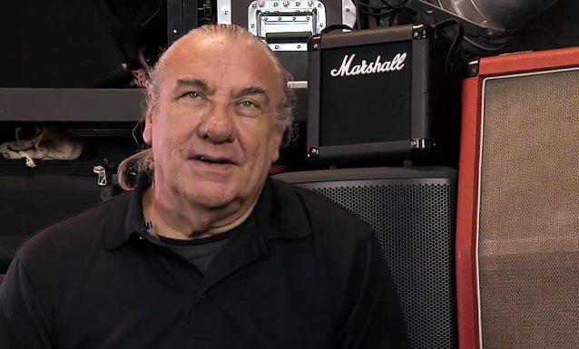 Bill Ward, el ex-baterista de Black Sabbath quiere hacer otro álbum con la banda