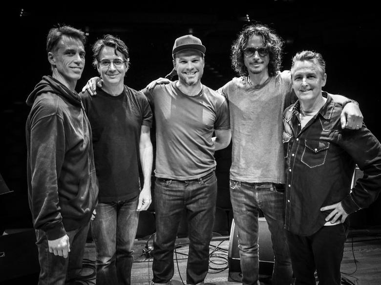 Pearl Jam habla de su nuevo disco y sobre el recuerdo de Chris Cornell