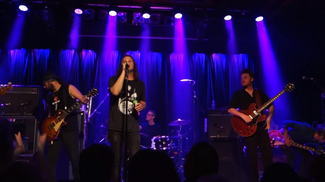 "VIDEO: Candlebox tributaron los 25 años de Temple of the Dog tocando ""Hunger Strike"" en vivo"