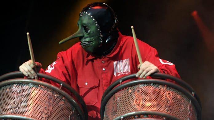 Slipknot oficializa la salida de Chris Fehn en medio de controversias y disputas económicas