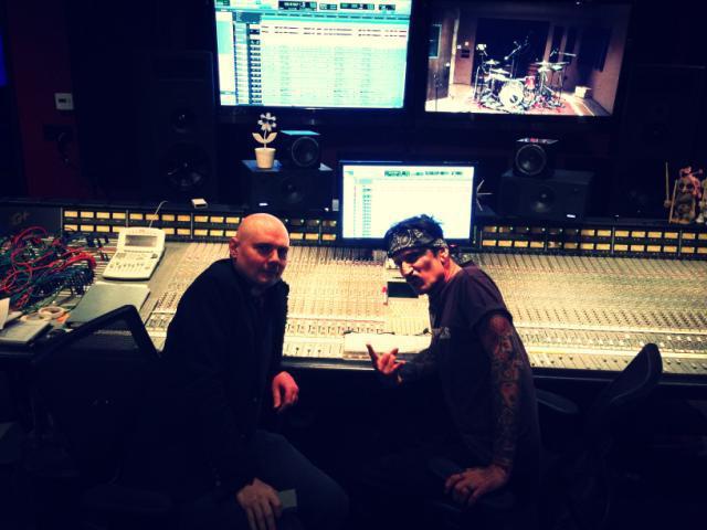 Tommy Lee tocará batería en el nuevo disco de The Smashing Pumpkins