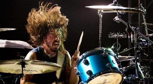 VIDEO: Mira a Dave Grohl tocando clásicos de Motorhead y Thin Lizzy