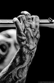 tatuaje-mano-kerry-king