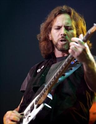 Pearl Jam y su versión de 'Mother' de Pink Floyd cierra la semana de homenajes en el late show de Jimmy Fallon