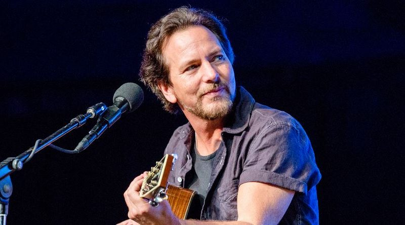"""Matter of Time"" y ""Say Hi"": Eddie Vedder estrenó videos y nuevas canciones"