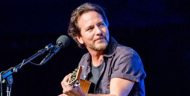"""""""Matter of Time"""" y """"Say Hi"""": Eddie Vedder estrenó videos y nuevas canciones"""