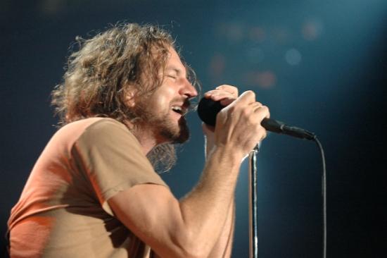 """Eddie Vedder habla sobre el nuevo disco de Pearl Jam: """"Estamos a medio camino"""""""