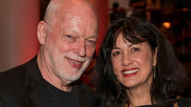 VIDEO: David Gilmour ofreció una presentación acústica desde su casa