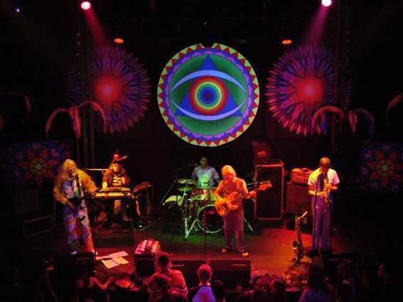 Confirmado: llega a Chile Gong, una de las bandas de culto del rock progresivo