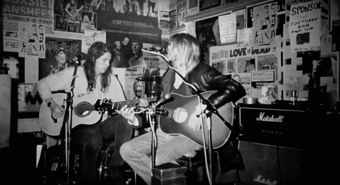 Publican colaboración inédita acústica entre Dave Grohl y Kurt Cobain de hace 26 años
