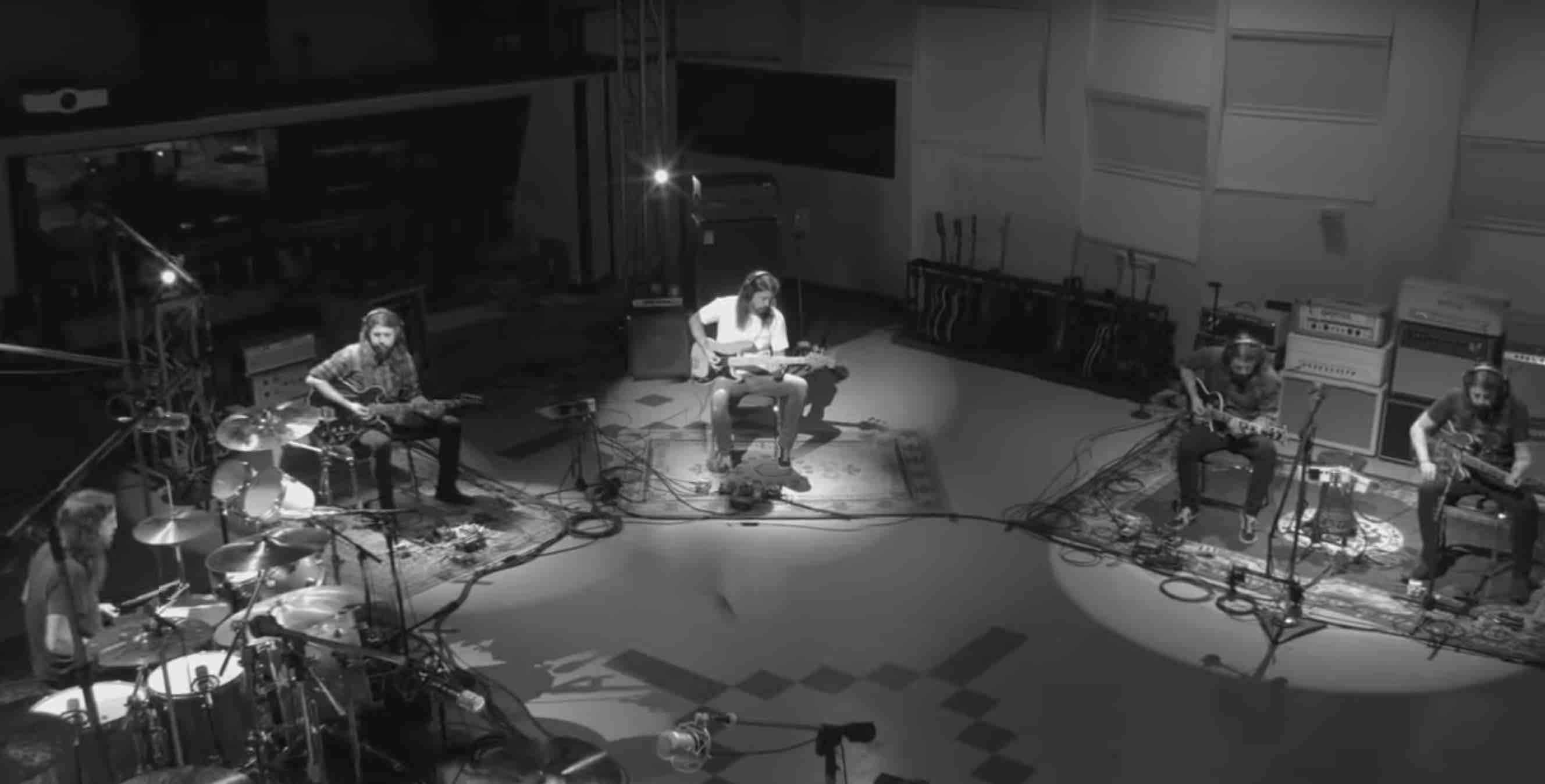 "VIDEO: Mira a Dave Grohl multiplicado en su nuevo tema/documental ""Play"""
