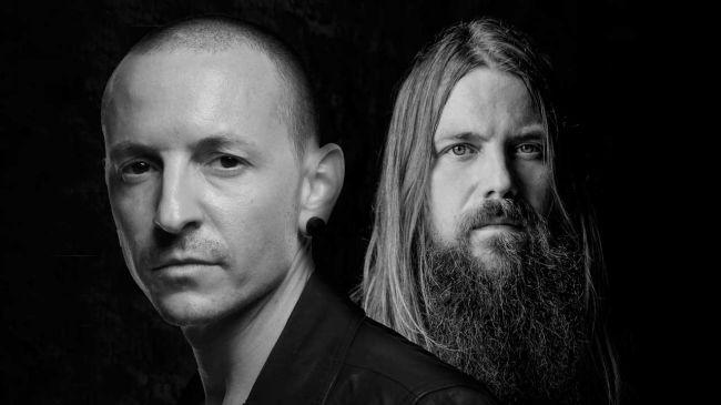 """Escucha """"Cross Off"""", el tema póstumo de Chester Bennington que vendrá en el álbum del guitarrista de Lamb of God"""