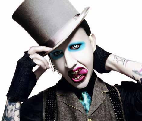 """Marilyn Manson anuncia que su nuevo disco """"está listo para aterrizar"""""""