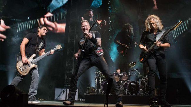"""VIDEO: Metallica cubrió """"Engel"""" de Rammstein en vivo"""