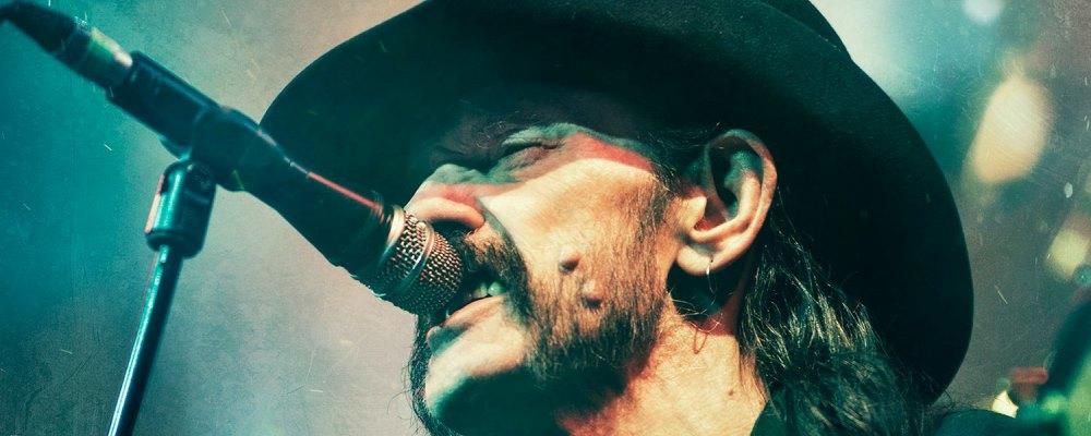 """Álbum de covers de Motörhead traerá versión inédita de """"Heroes"""" de David Bowie, entre otras"""